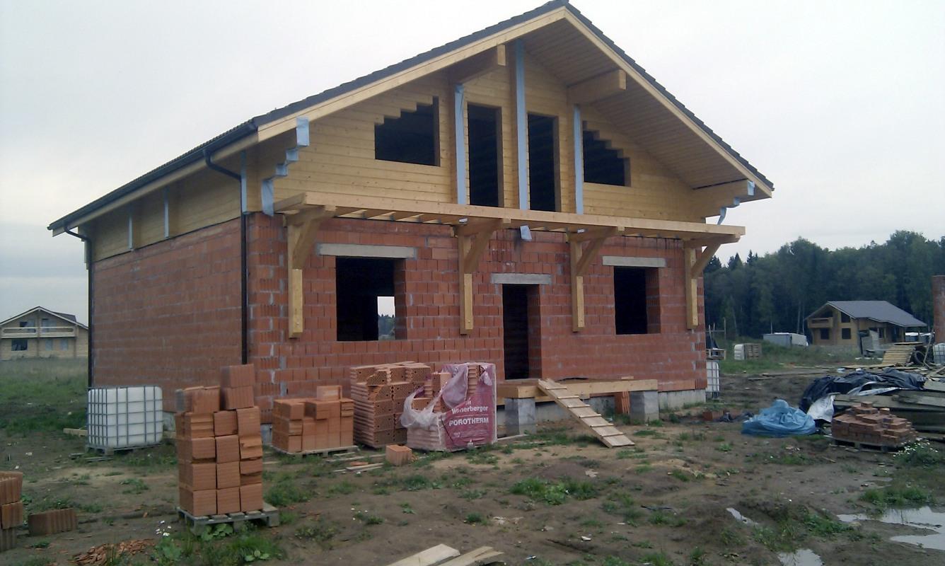 Дома комбинированные кирпич и дерево фото 5